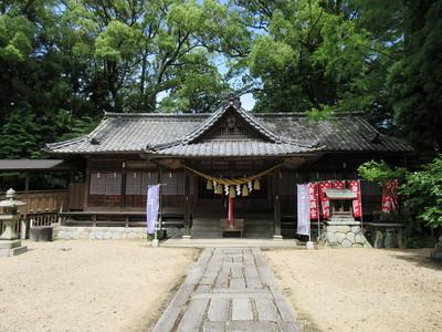 亀山神社本殿