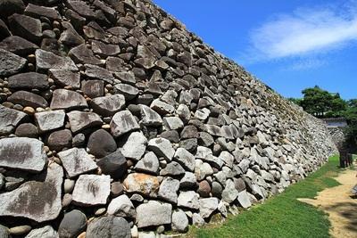 野面積高石垣