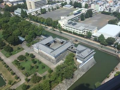 静岡県庁別館21F展望ロビーから東御門の枡形構造を望む