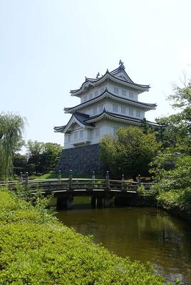 御三階櫓と木橋