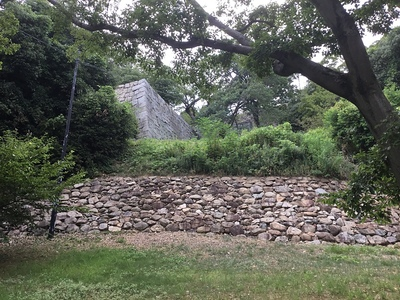 搦め手の石垣