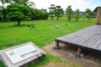 会所跡の復元と、枯山水庭跡の主要石材配置