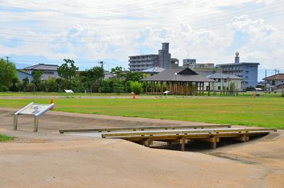 堀跡、会所などの復元と公園