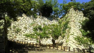 二の丸虎口への石段