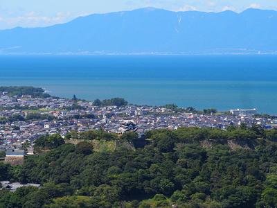 琵琶湖と彦根城
