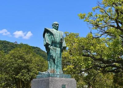 吉川広嘉公銅像