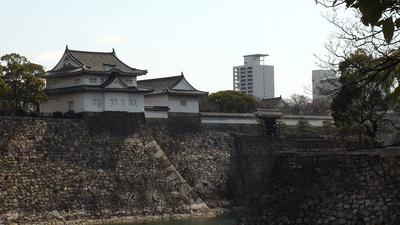 千貫櫓と大手門