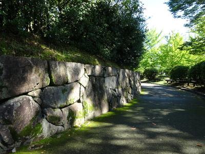 城西公園の石垣