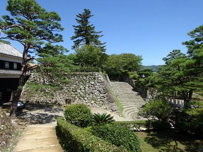 詰門と二ノ丸の石垣
