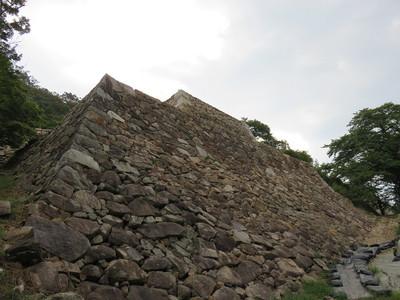 三階櫓下石垣