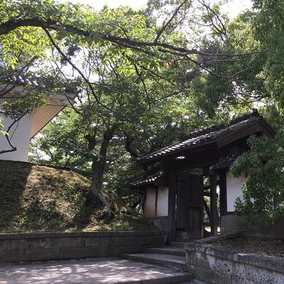 霞門と東櫓