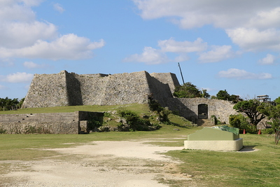 三の郭城壁と北の郭裏門