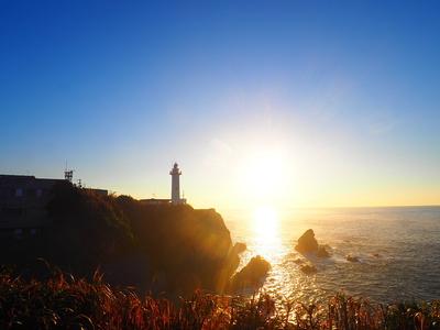 大王崎灯台と日の出