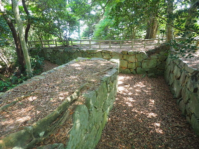 詰の丸埋門