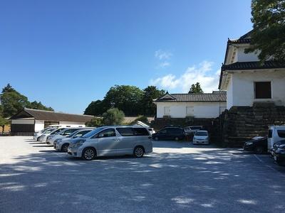 二の丸駐車場