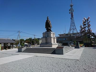 鍋島直正公像