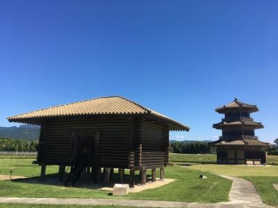 米倉と八角形鼓楼
