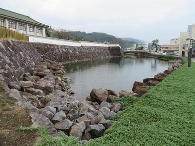 内堀(南側)