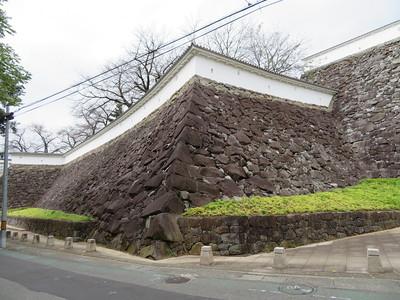 数寄屋曲輪の石垣
