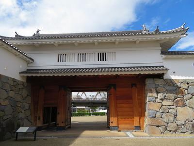 山手渡櫓門(枡形内から)