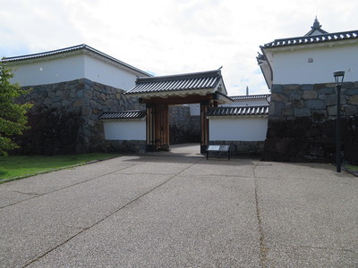 山手門(城外側)