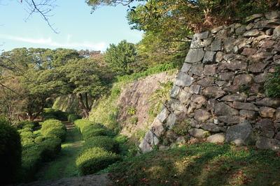 石垣と通路