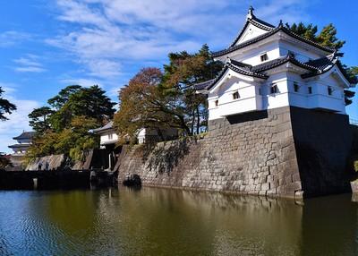 城郭風景(旧二の丸隅櫓、本丸表門、辰巳櫓)