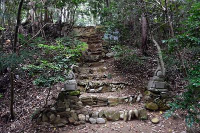 本郭入口 (御嶽神社)