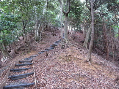 ニノ丸から主郭への登城道
