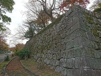 巽櫓東側下の石垣