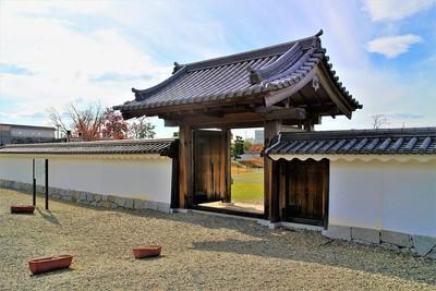 大石頼母助屋敷門(北側)