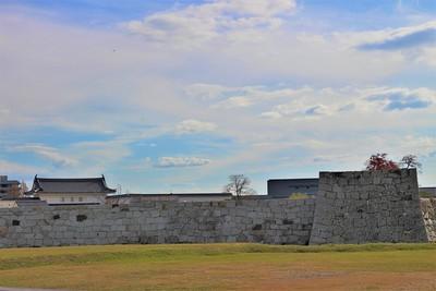 本丸櫓門・二之丸石垣・北隅櫓(北側)