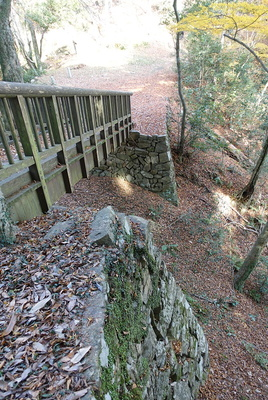 土橋の石垣②