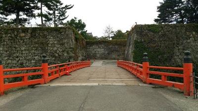 廊下橋側の入口