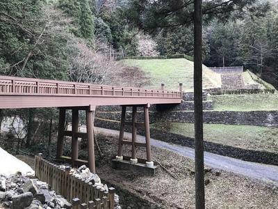 曳橋と御主殿跡