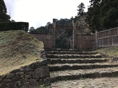 御主殿の門 冠木門