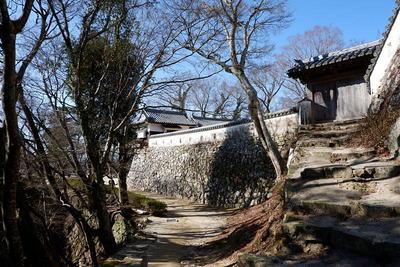 東御門と土塀