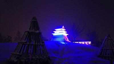 雪で作られた御三階櫓(2019上杉雪灯篭まつり)