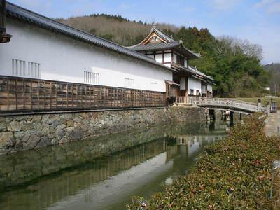 水堀と中御門