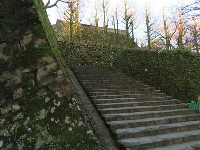 綿倉門への石段