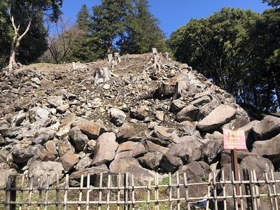 関東大震災で崩れた石垣(野面積み)