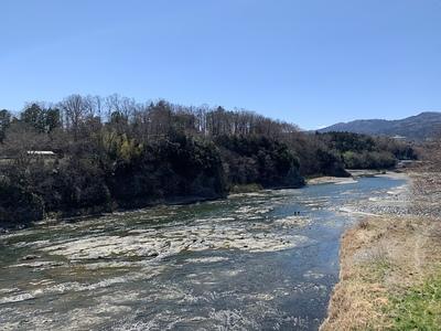 正喜橋から城跡遠景