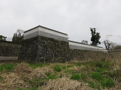 水ノ手門の西側長塀