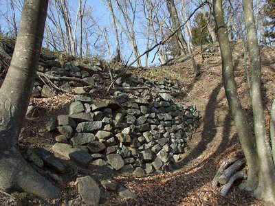 2段の石積