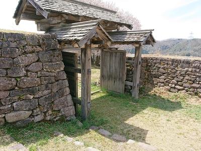 枡形門と石垣