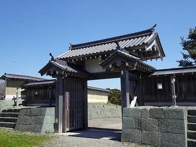 搦手の高麗門
