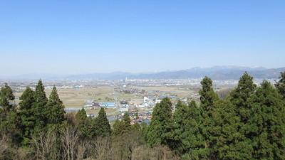 山頂から山形城方面