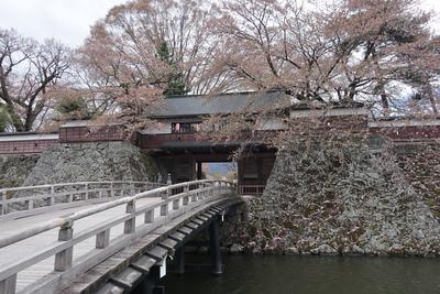 冠木門と冠木橋