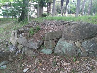 わずかに残る北条氏時代の石垣