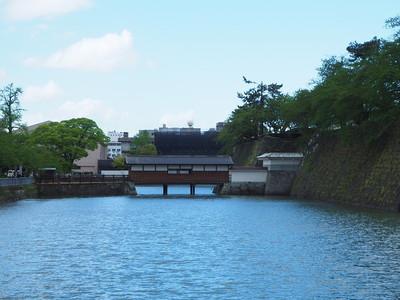 御廊下橋(南側から)